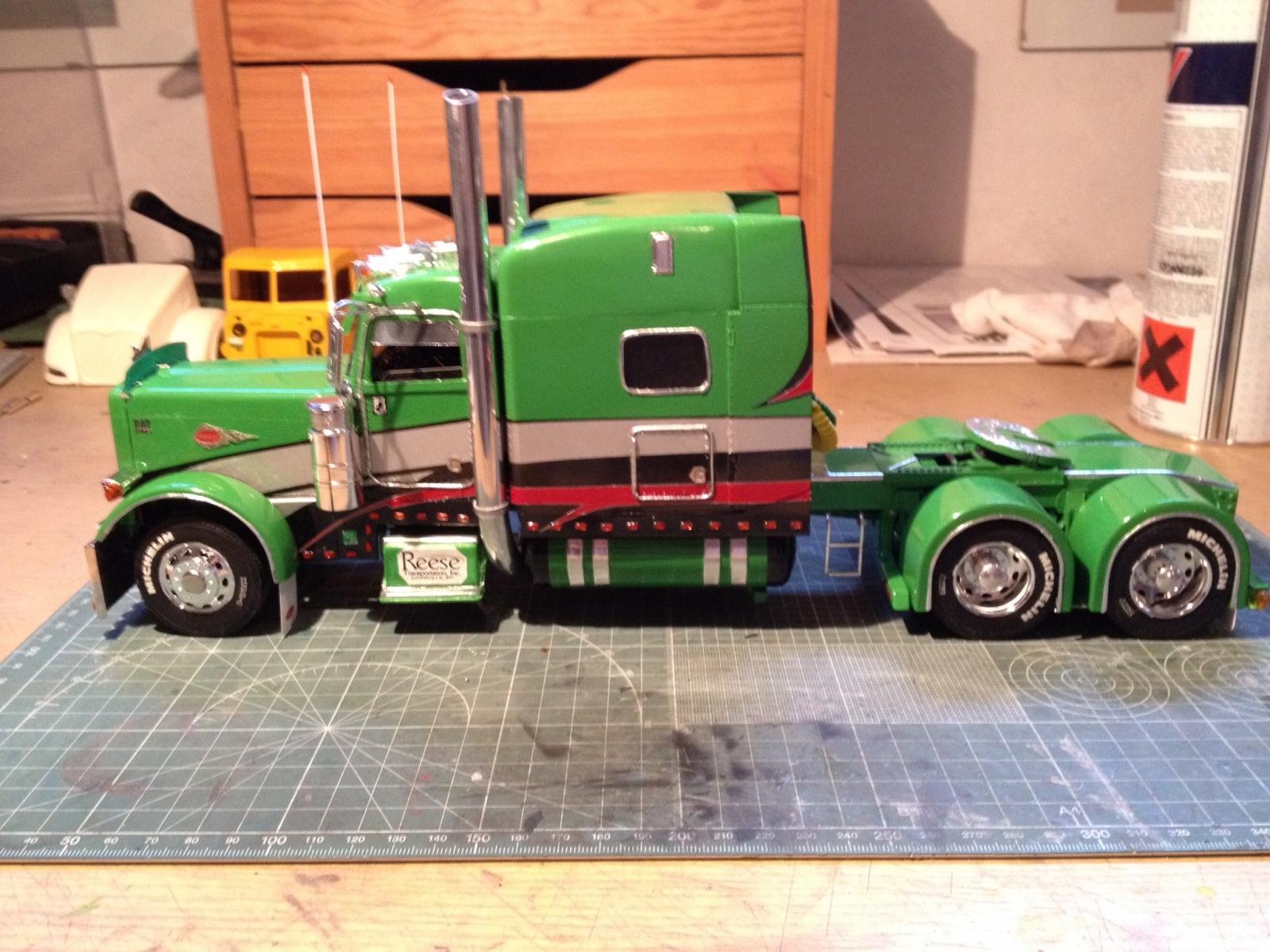 Model truck builder com Www builder