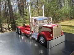 Trucker 1.jpg
