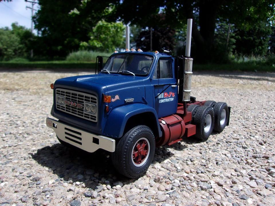 GMC 9500 Tandem Tractor