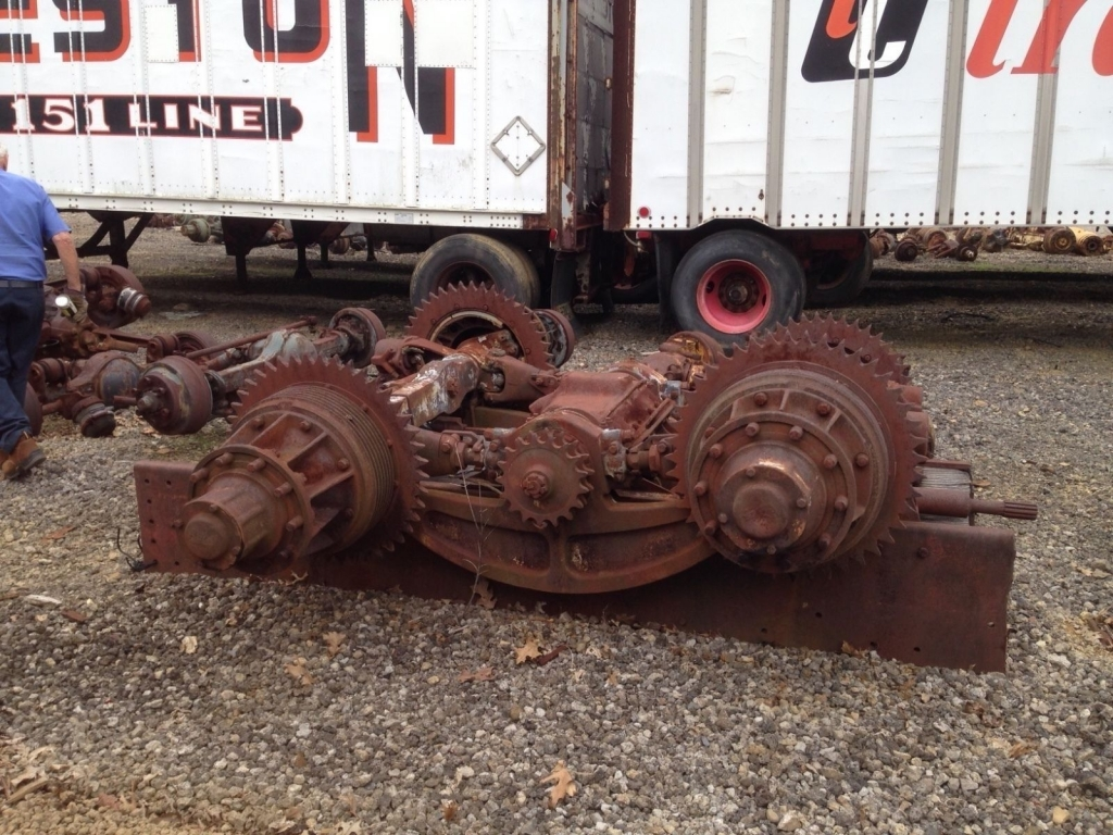 Sterling-Chain-Drive-Vintage-Truck_57.thumb.JPG.08a22b1e36b89b38d4ab96b9fb29e3a1.JPG