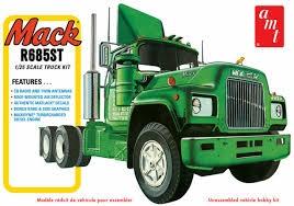 Mack1.jpg